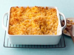 Baked-Macaraoni-and-Cheese.jpg.rend.sni12col.landscape